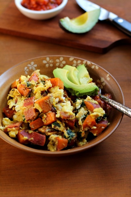 sweet_potato_bacon_and_spinach_Scramble_hero